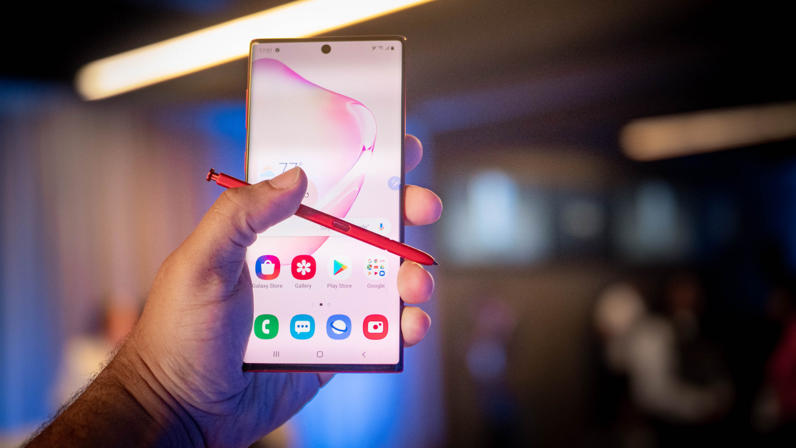 Samsung Note 10 is the Best Phone for Trading in 2019 Due to it's large screen and battery life